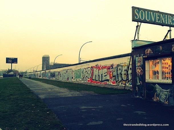 East side gallery Sprea Berlino