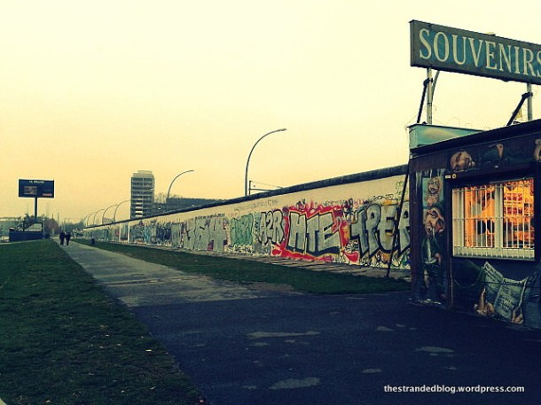East side gallery Sprea Berlino
